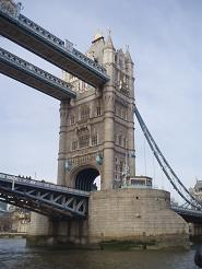 boat_towerbridge2.jpg